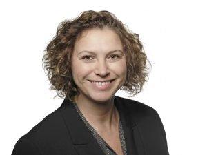 Heike Gutknecht Profilbild weißer Hintergrund